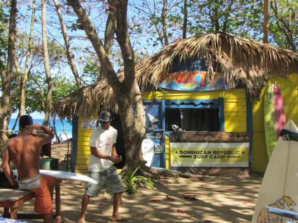 Sufring school in Playa Encuentra Beach, Cabarete, Dom Rep